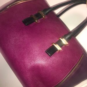 Purple hand bag two toned